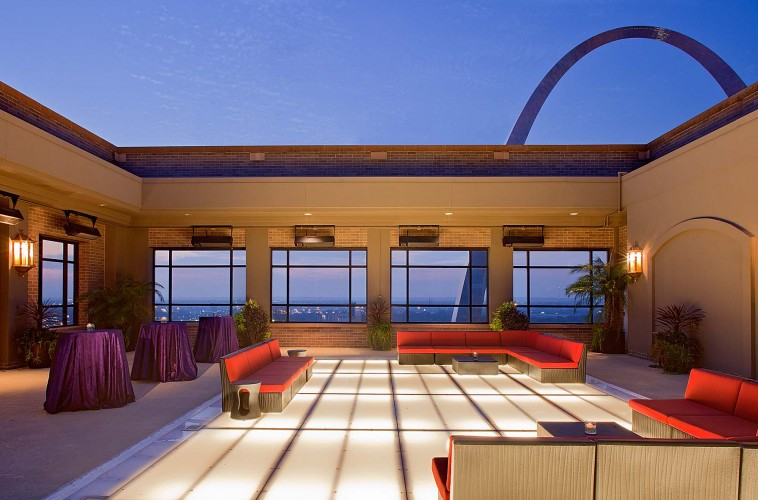 Hyatt at The Arch - Bride St. Louis Venue Profile, Gateway Terrace at Night