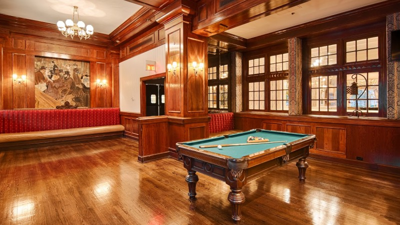 Mahogany.Pooltable